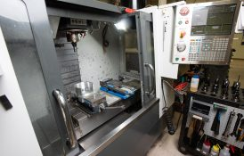 CNC Milling Machine, 3 Axis Setup, 2 Vice