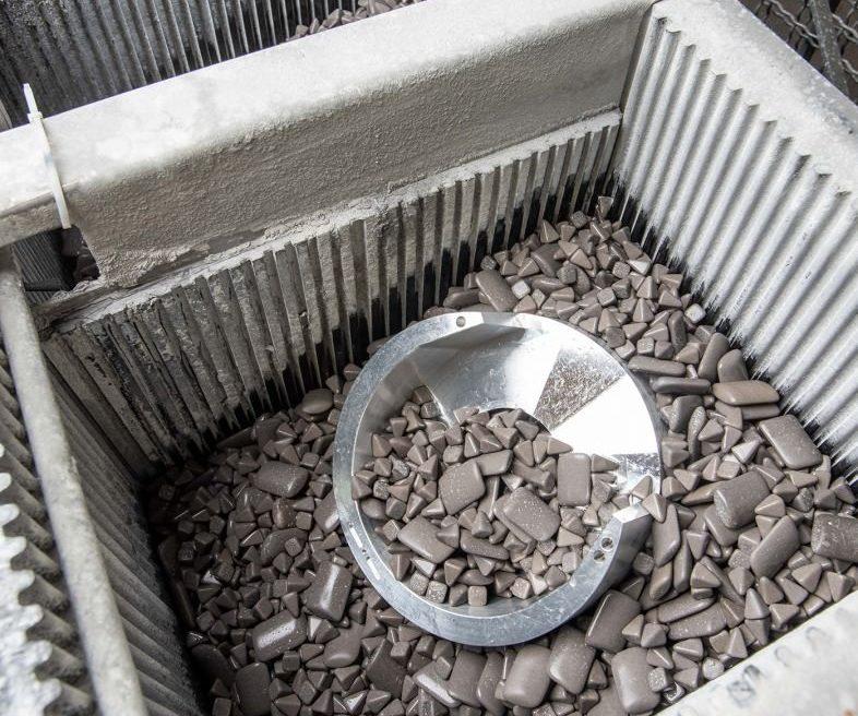 Vibratory Media Tumbling of Medical Device, Synthetic Polishing Stone